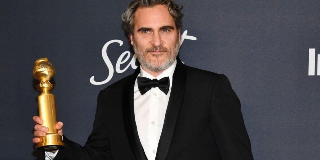 Joaquin Phoenix Look golden globe Oscar 2020