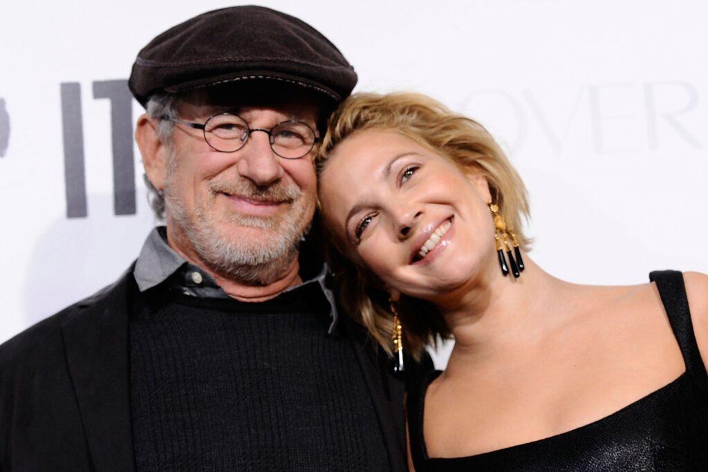 Actores que no sabías que eran familia steven spielberg y drew barrymore