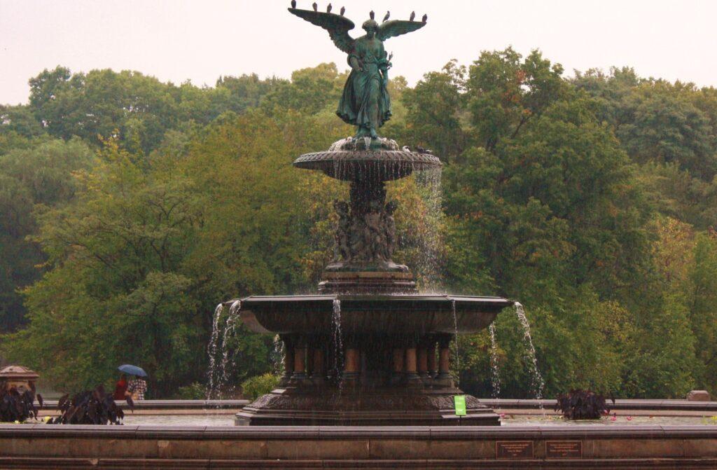 """Lugares que tenés que visitar si sos fanático de """"Friends"""" Bethesda Fountain"""