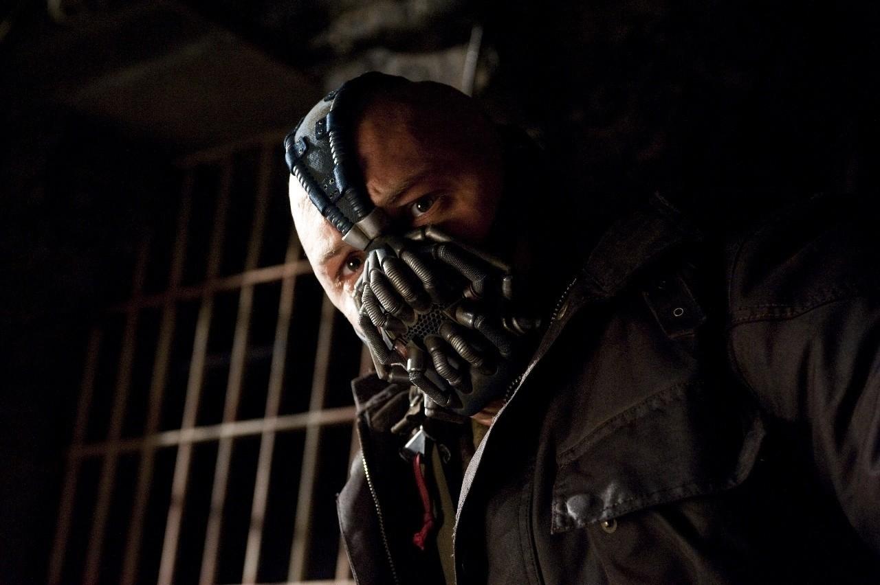El Caballero de la Noche Asciende Bane Tom Hardy Christopher Nolan