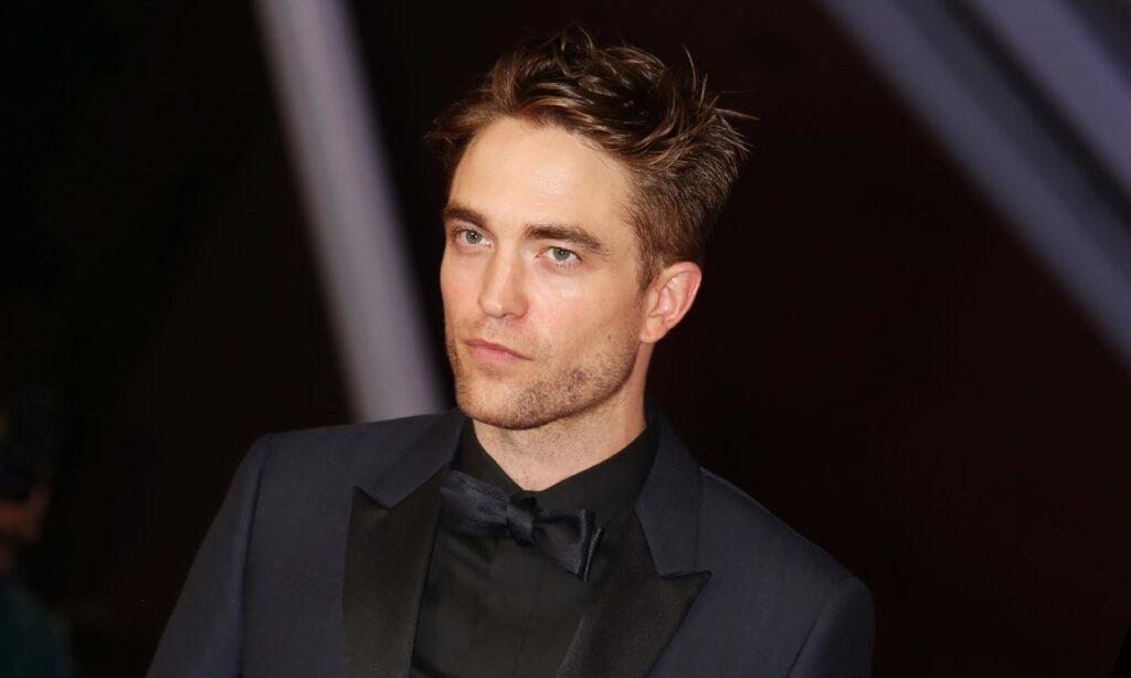 Robert Pattinson Warner Bros. contrato