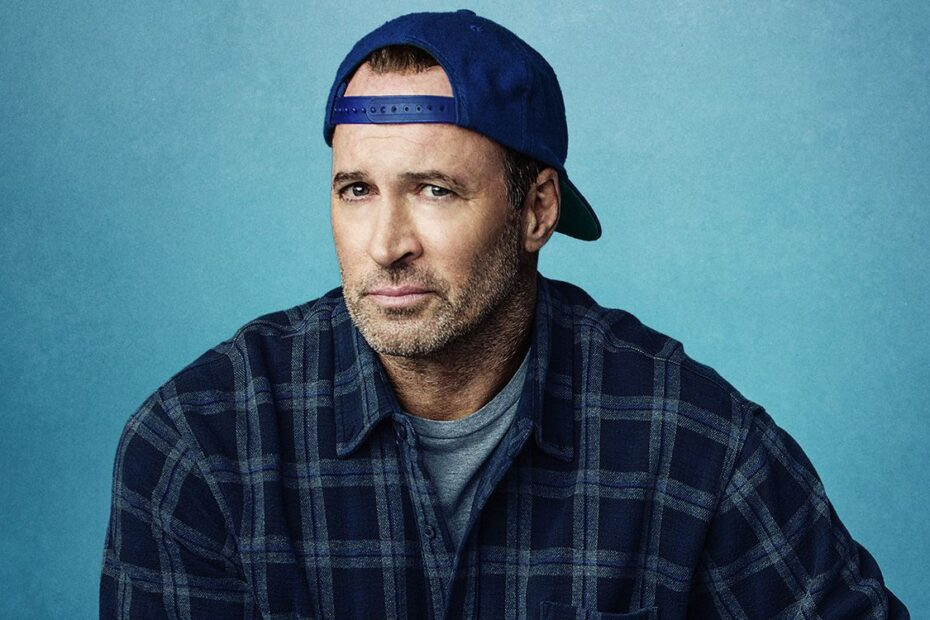Gilmore-Girls-A-Year-in-the-Life-Luke-Scott-Patterson